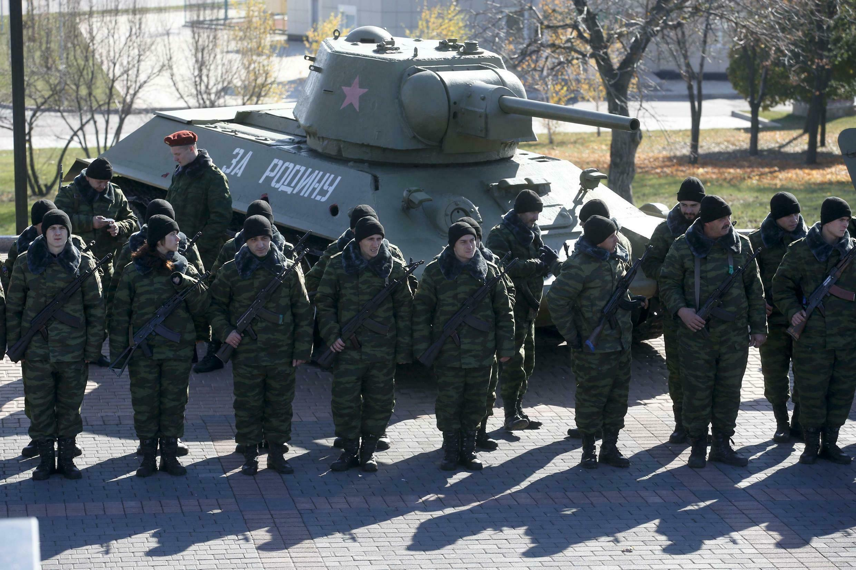 A Donetsk, un hommage a été rendu ce samedi, aux soldats tombés durant les combats contre l'armée ukrainienne.