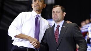 Thomas Perriello, le nouvel envoyé spécial américain dans la région des Grands Lacs, avec le président Barack Obama, en octobre 2009.