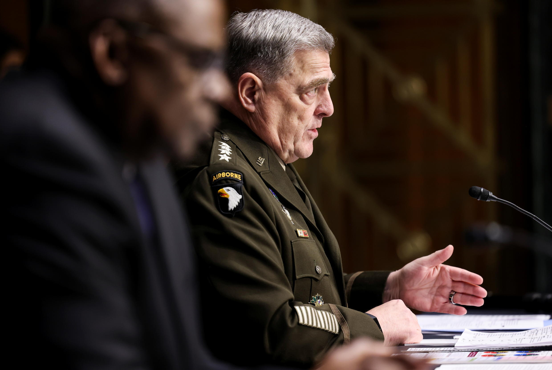 美国参谋长联席会议主席米利与国防部长奥斯汀资料图片