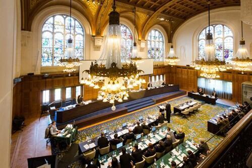 Phái đoàn Philippines trong phiên điều trần Tòa án Trọng tài Liên Hiệp Quốc La Haye (Den Haag) - DR