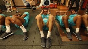 Os jogadores da seleção brasileira estão no Hotel Hilton London Wembley, onde fizeram treino generativo no final da tarde de segunda-feira, 4 de fevereiro de 2013.