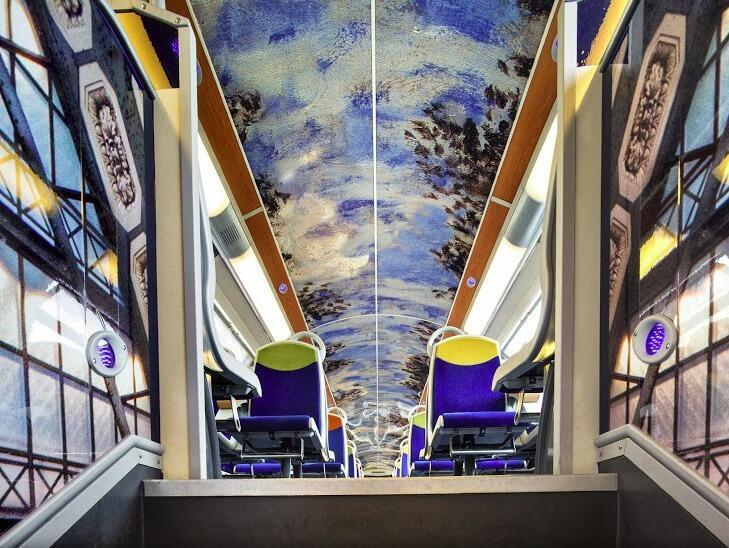 One of the carriages on the impressionist train