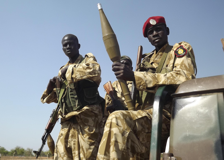 Солдаты армии Южного Судана в городе Бор 25 декабря 2013.