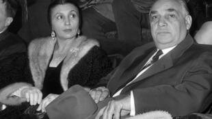 Rosa Bouglione est décédée dimanche 26 août à l'âge de 107 ans. Ici, aux côtés de son mari Joseph Bouglione, au cirque Medrano à Paris, le 8 janvier 1963.