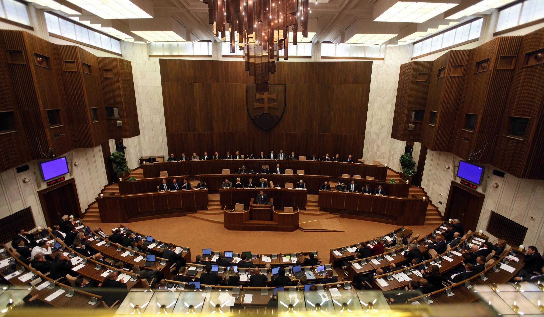 O Parlamento da Eslováquia votou contra o reforço do FESF.