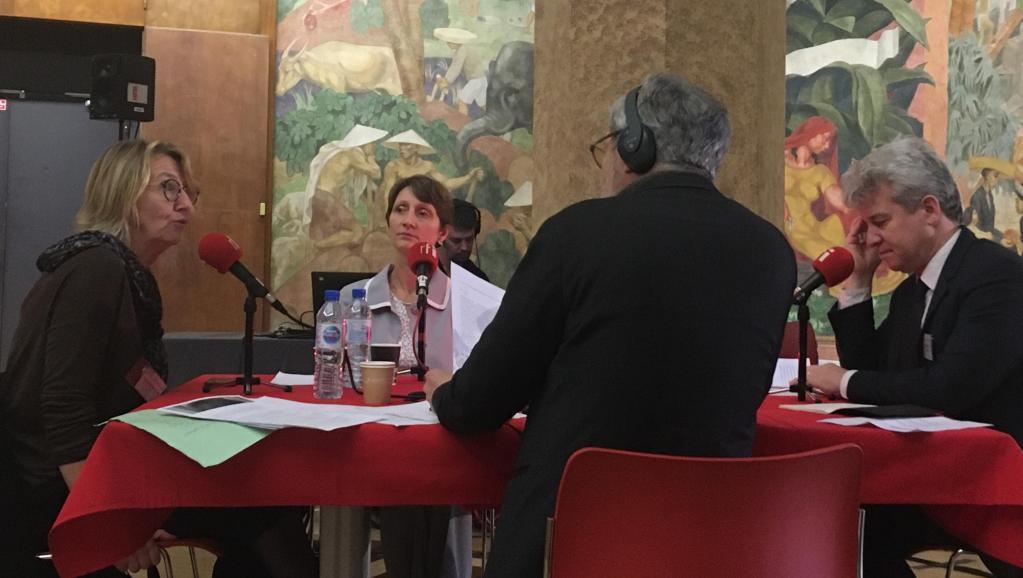Cécile Le Vaguerese-Marie, Anne Delizée et Paul de Sinety répondaient aux questions de Pascal Paradou, en direct du musée national de l'histoire de l'immigration à Paris.