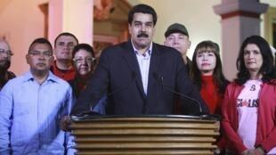 O chanceler e vice-presidente da Venezuela, Nicolás Maduro, em cadeia de rádio e televisão na noite de terça-feira, 11 de dezembro de 2012.