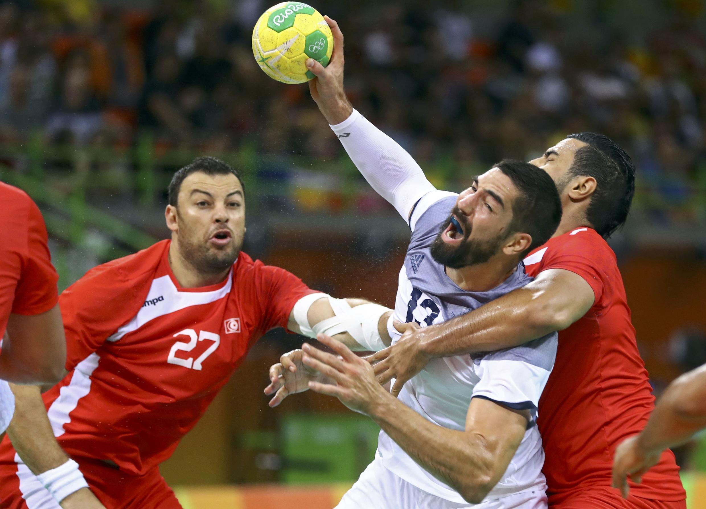 Nikola Karabatic, la star de l'équipe de France de handball face aux Tunisiens, le 7 août 2016.