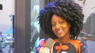Mariana da Cruz: batidas afro-brasileiras mescladas com a batida eletrônica europeia.