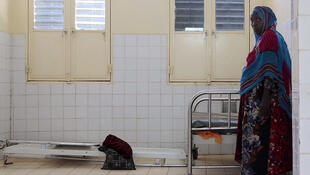 Une mère en train d'accoucher à l'hôpital de Mao, dans la province de Kanem au Tchad, janvier 2020.