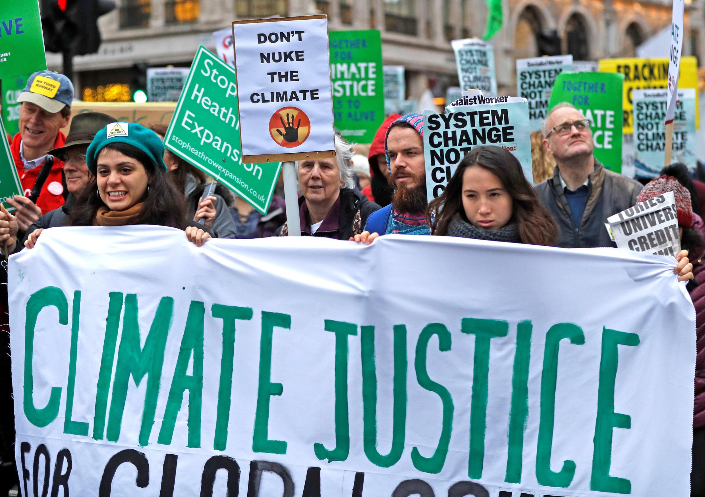 Manifestantes exigen que se tomen medidas concretas en la COP24 para hacer frente al cambio climático. Londres
