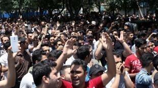 در تهران تظاهرات اعتراضی در همبستگی با مردم خوزستان برگزار شد
