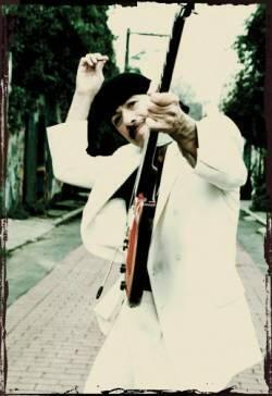 O rock do guitarrista Carlos Santana foi um dos destaques dos anos 70.