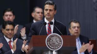 El presidente mexicano Enrique Peña Nieto presentó su propuesta de reforma tributaria en Los Pinos, este 8 de septiembre de 2013.