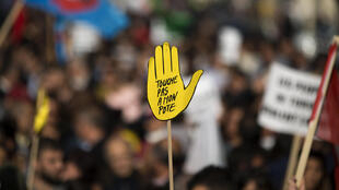 Manifestação organizada pela ONG francesa SOS Racismo