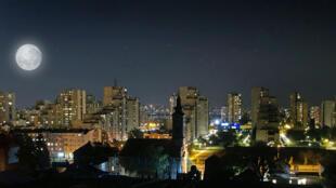 Vue de Belgrade, de nuit.
