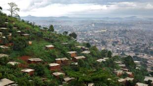Yaoundé, la ville aux sept collines, capitale politique du Cameroun, où les 23 candidats sont en lice pour la présidentielle du 9 octobre 2011.