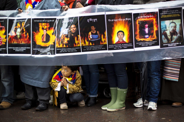 Tuần hành tưởng niệm các nạn nhân Tây Tạng đã tự thiêu phản đối Bắc Kinh, từ ĐSQTQ đến trụ sở LHQ ở New York. Ảnh tư liệu ngày 10/12/2012.