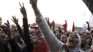 Des manifestantes place Tahrir pour les deux ans de la chute d'Hosni Moubarak, le 25 janvier 2013.