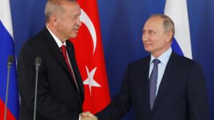 Tổng thống Nga Vladimir Poutine (P) tiếp đồng nhiệm Thổ Nhĩ Kỳ Recep Tayyip Erdogan, Matxcơva, 27/08/2019.