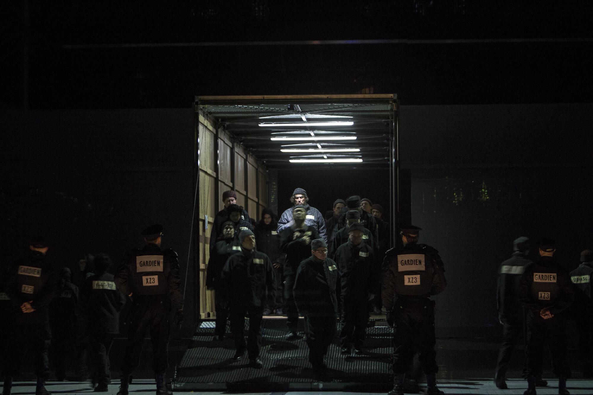 «Леди Макбет Мценского уезда» на сцене Парижской оперы. Третий акт, тюремная сцена.  Апрель 2019 г.