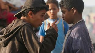 """Pour """"Les Chevaux de Dieu"""", le réalisateur marocain Nabil Ayouch a fait appel à beaucoup d'acteurs non professonnels, souvent issus du bidonville de Sidi Moumen, qui incarnent à merveille le propos du film."""