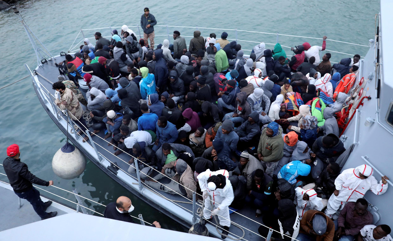 Retour à Tripoli pour ces personnes secourues par les gardes-côtes libyens, le 9 janvier 2018.