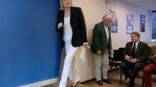 Marine Le Pen lors d'une conférence de presse à Nanterre le 16 juillet 2016.