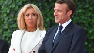 Shugaban Faransa Emmanuel Macron tare da uwargidansa Brigitte Macron.
