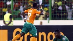 L'Ivoirien Serge Aurier (de dos).
