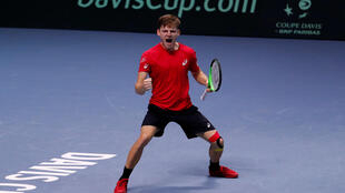 David Goffin beat Jo-Wilfried Tsonga to draw Belgium level at 2-2 in the Davis Cup final.