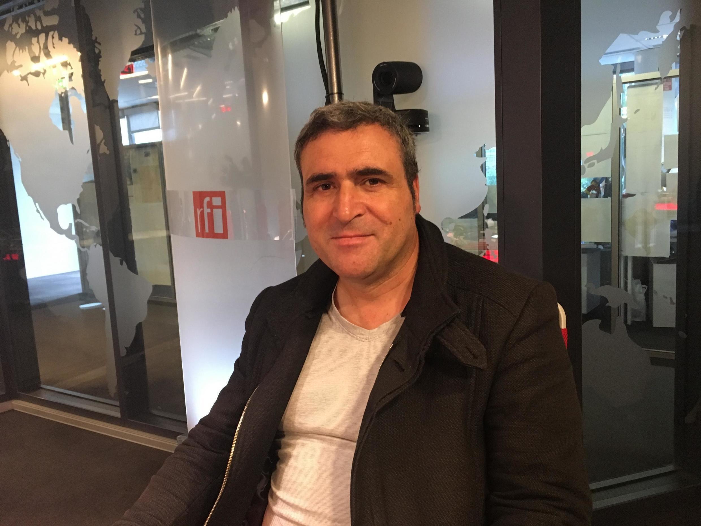 António Oliveira, secretario de associação que luta pela difusão do português, fala sobre recuo do ensino da língua na França