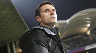 Remi Garde, técnico do Olympique de Lyon, primeiro semifinalista desta quinta-feira da Copa da França.