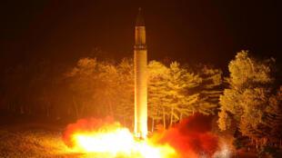 Tên lửa Bắc Triều Tiên tiếp tục gây bất đồng Trung- Mỹ.