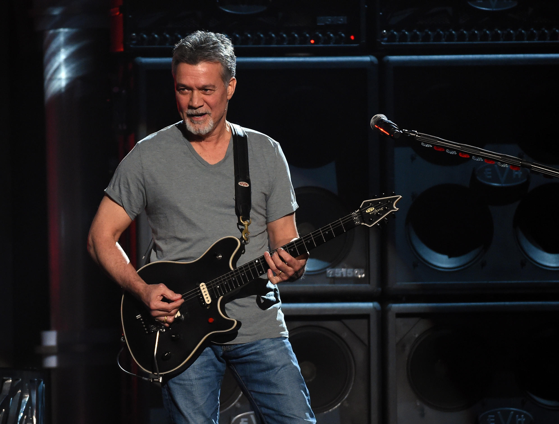 Скончался легендарный рок-гитарист Эдди Ван Хален