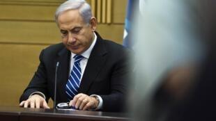 O primeiro-ministro israelense, Benjamin Netanyahu, teve de negociar com partidos de várias tendências para conseguir sustentação.