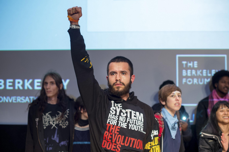 Phong trào biểu tình chống nạn bạo hành cảnh sát tiếp tục lan rộng ra nhiều giới trong xã hội Mỹ.