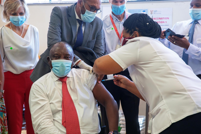 Vaccins afrique du sud johnson ramaphosa