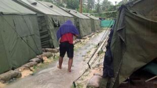 """کمپ پناهجویان """"مانوس"""" در گینه نو، تحت نظر دولت استرالیا"""