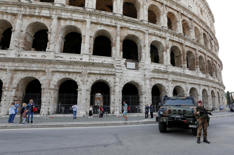 Polícia foi mobilizada nos principais pontos de Roma, como no Coliseu, para a celebração dos 60 anos da União Europeia.
