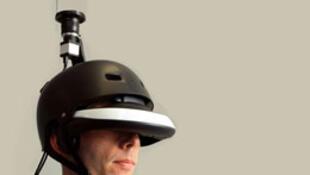 Mũ FlyViz trên đỉnh có gắn caméra