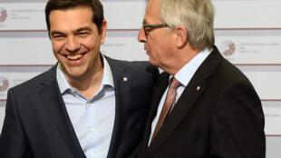 Le premier ministre grec Alexis Tsipras (à gauche) et le président de la Commission européenne Jean-Claude Juncker, le 22 mai 2015.