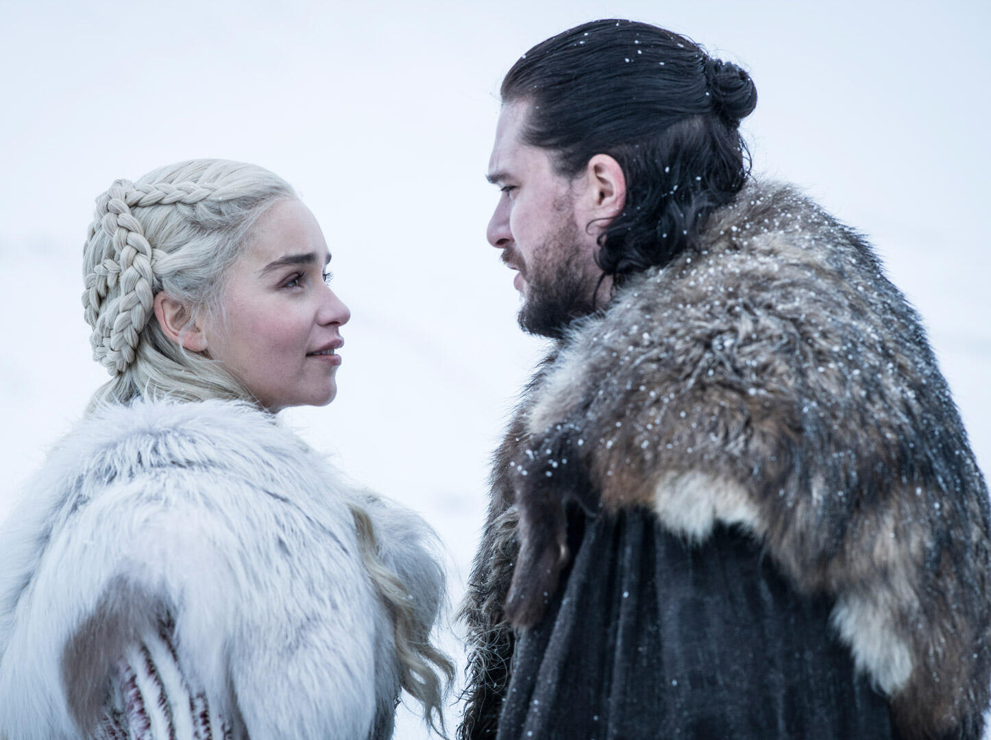 Emilia Clarke y Kit Harington en la octava temporada de GOT.
