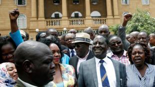 A alegria dos apoiantes de Raila Odinga depois do Supremo Tribunal do Quénia ter anulado as eleições presidenciais de 8 de Agosto.