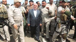 Thủ tướng Irak thăm Tikrit : Ông Haïdar al-Abadi bất bình trước tuyên bố của bộ trưởng Quốc phòng Mỹ Ashton Carter - AFP /AL-RUBAYE