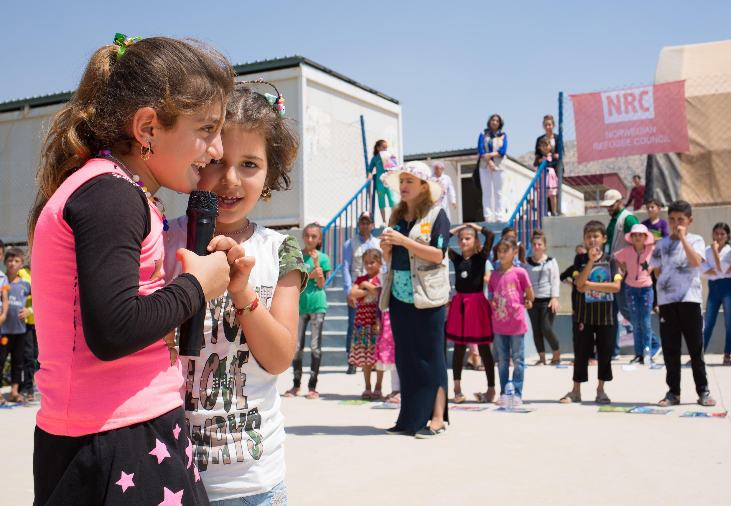 The NRC Education team from Dohuk organises recreational activities with Yezidi children in Qadiya camp. This allows them to learn how to manage their stress and overcome their traumas.