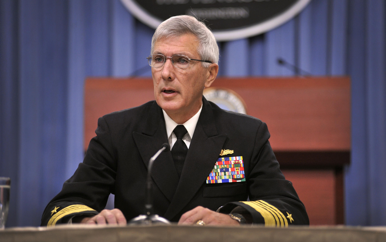 Đô đốc Samuel J. Locklear, Tư lệnh lực lượng Mỹ ở vùng Thái Bình Dương, họp báo về an ninh Châu Á tại Bộ Quốc phòng Hoa Kỳ, tháng 6/2012.