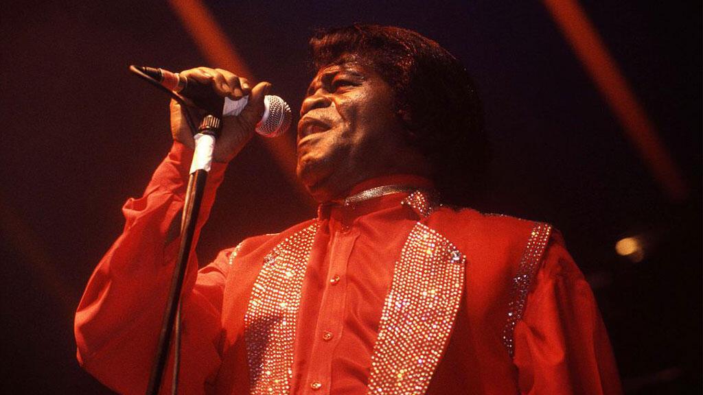 Ca sĩ James Brown biểu diễn tại Brighton vào năm 2000.