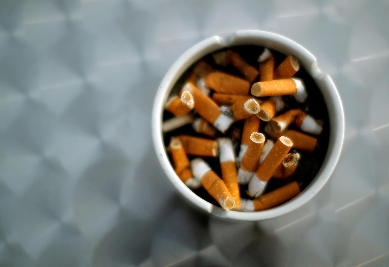 De acordo com a OMS, o tabagismo mata a metade dos dependentes.