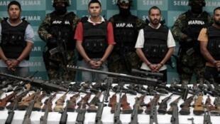 در مکزیک، سازمانهای عظیم تبهکاری مستقیمآ در رأس دولت نفوذ دارند
